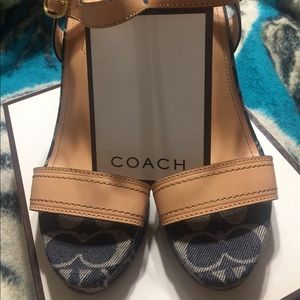 Authentic Coach Kori Vac open toed heels NWT